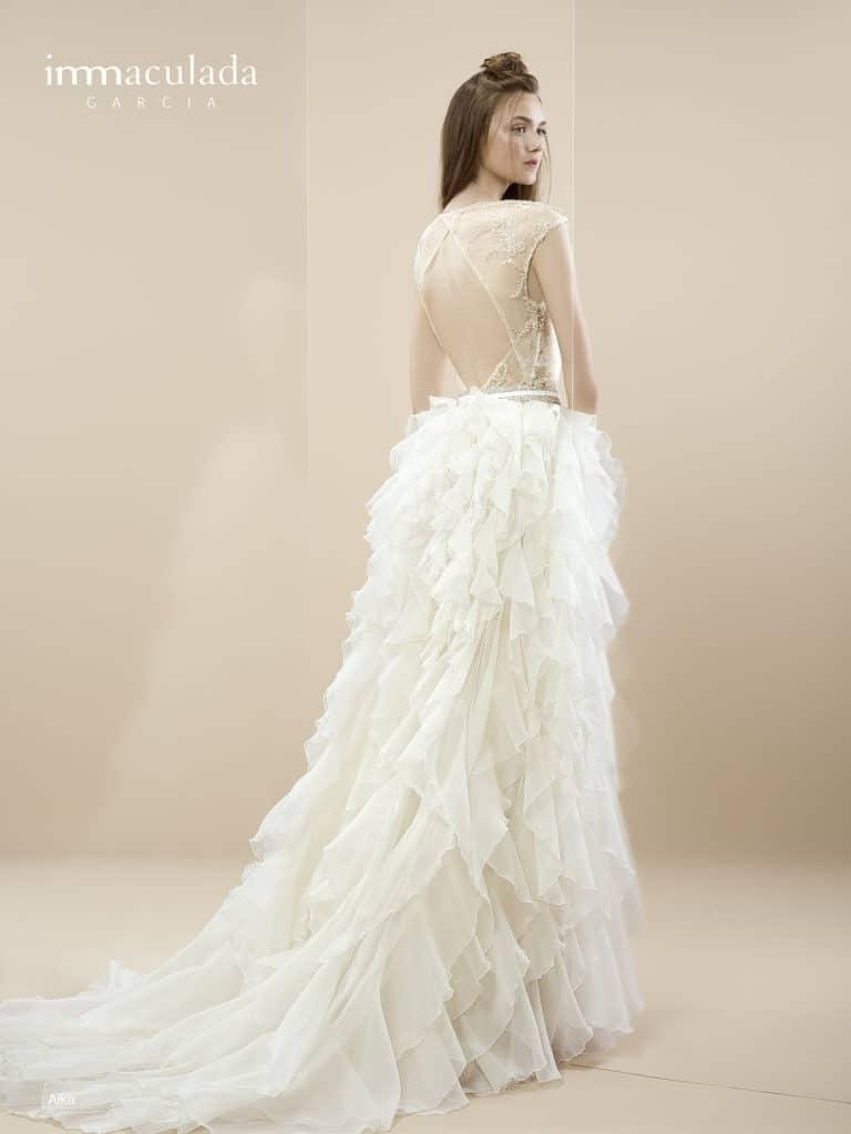 AIka - ženské a zmyselné svadobné šaty