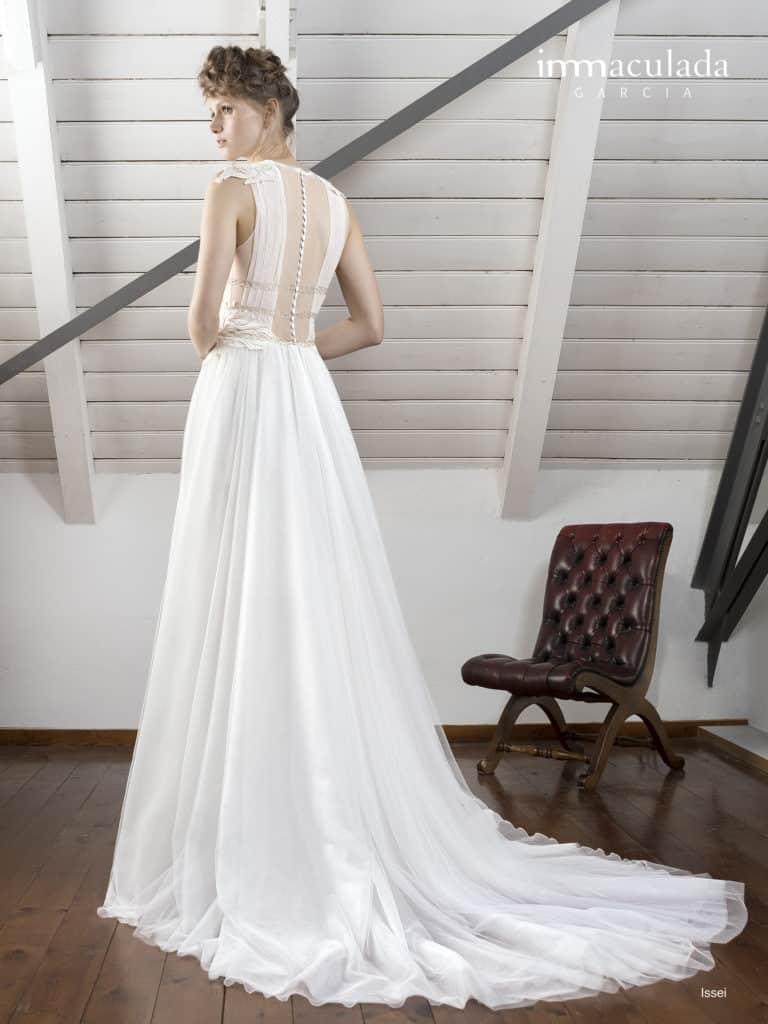 Issei - ženské a zmyselné svadobné šaty