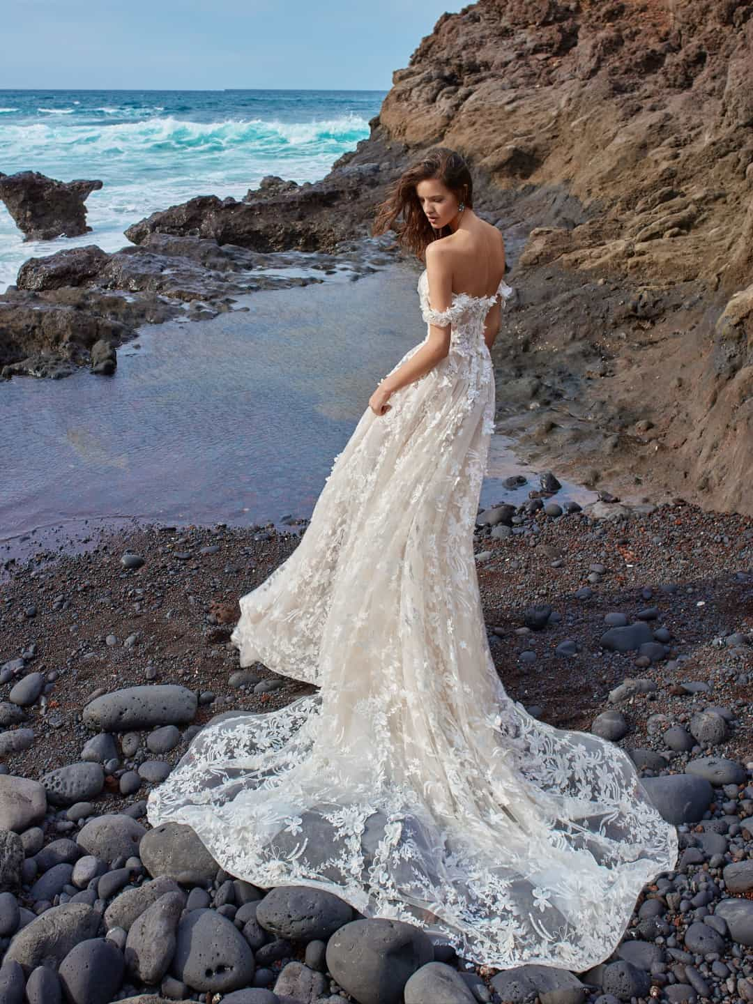 Haute Couture svadobne saty - GALA-1010-back-