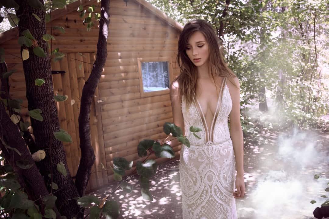 Haute Couture esküvöi ruhák - 904_front_mediumshot