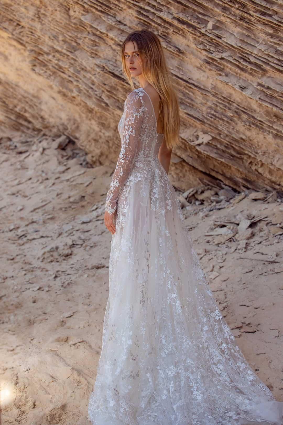 Haute Couture esküvöi ruhák - G-407-back