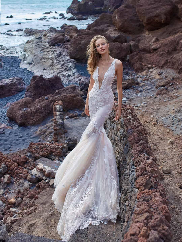 Haute Couture esküvöi ruhák - GALA-1001-front
