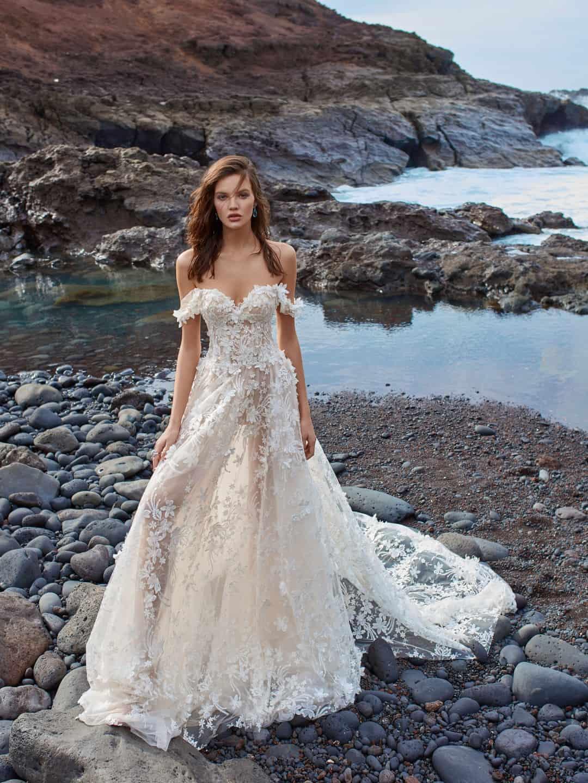 Haute Couture esküvöi ruhák - GALA-1010-front-2