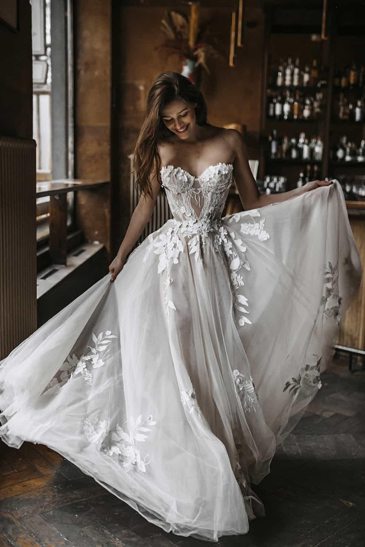 Exkluzívne svadobné a spoločenské šaty - Jessie 4_lowres - hlavna